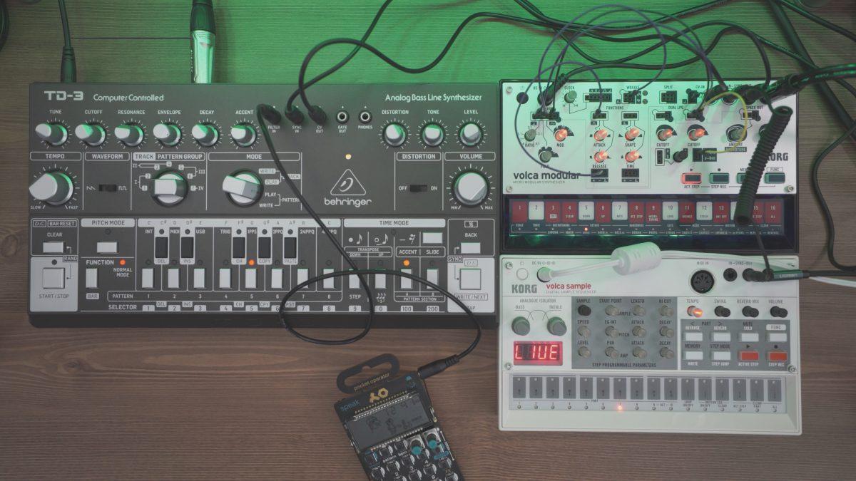 Behringer TD-3 + Volca + PO35 | Industrial Techno
